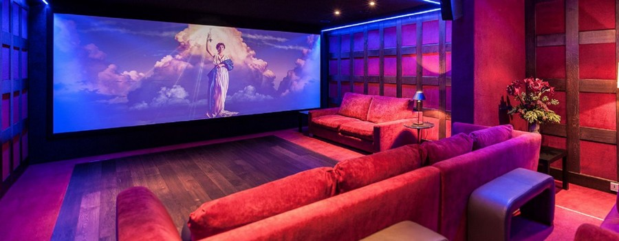 Chalet-Greystone-Courchevel-1850-Cinema