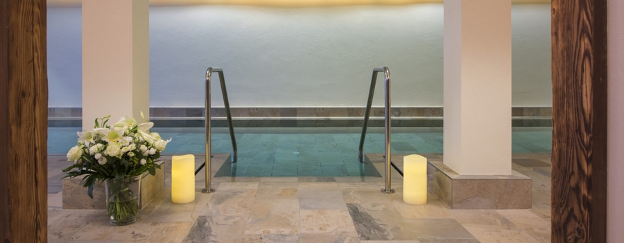 Chalet Weiss Spa Kitzbühel Indoor Pool